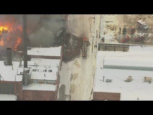 FF INJURED – APPARATUS CLOSE CALL IN COLLAPSE IN DETROIT