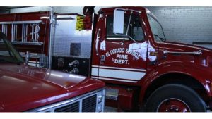 MISSOURI FIREFIGHTER DIES IN THE LINE OF DUTY FOLLOWING APPARATUS CRASH-NON EMERGENCY DETAIL