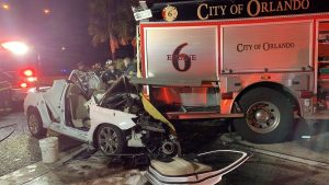 3 ORLANDO FIREFIGHTERS INJURED – CAR SLAMS ENGINE